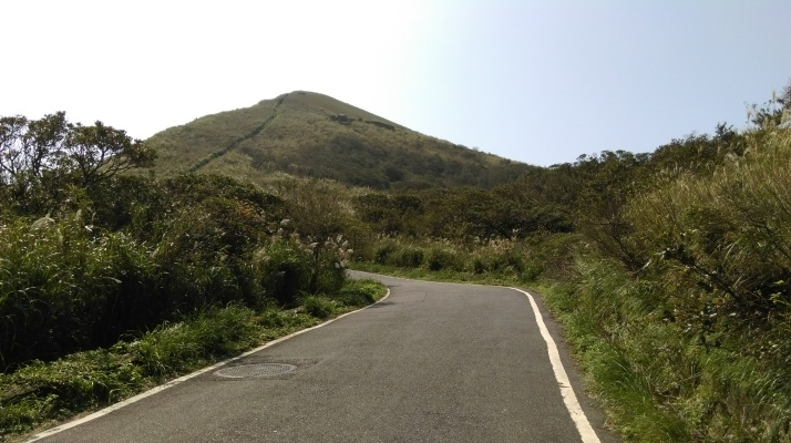 road going up to the peak