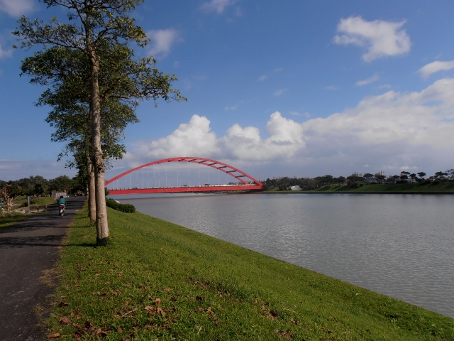 Dongshan River bike trail