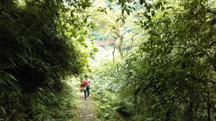 trail between Yeren and the Keelung River