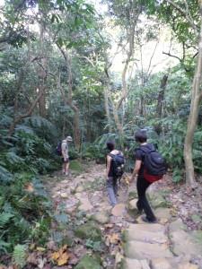 trail from the lake to Neigou Mountain