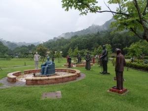 statues of Chiang Kai-shek