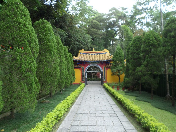 leaving Chengtian Temple