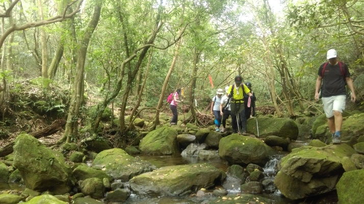 tributary stream crossing