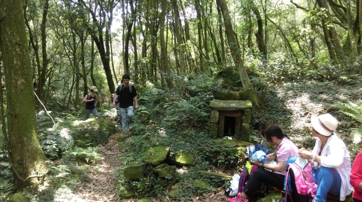 Land God shrine